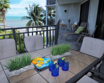 @@ Totally renovated in 2019, New Kitchen & Bathrooms.. Book Now @@ - Key West