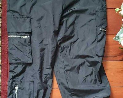 Jogger pants in black