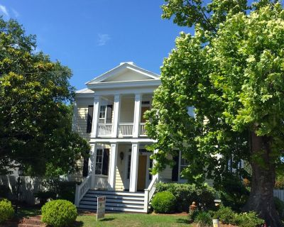 Historic Gem of Beaufort! Newly Restored, 2 Blocks from the Waterfront! - Beaufort