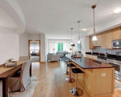 317 Groveland Ave, Minneapolis, MN 55403 1 Bedroom Condo