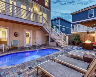 WORKIN' FOR WAVES: Gorgeous Home w/ Outdoor Oasis! Fire Pit, Pool, Golf Cart! - Miramar Beach