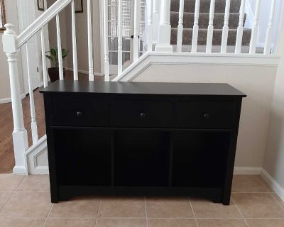 Beautiful Black Consol Table/Hallway Table/TV Stand