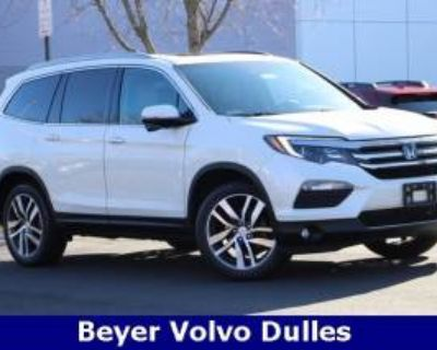 2016 Honda Pilot Touring with Navigation/Rear Entertainment System AWD