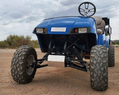 Gas-powered 6-seater Golf Cart