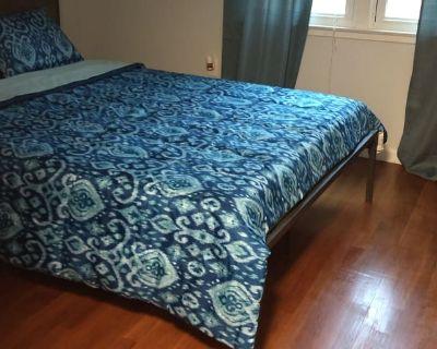Private room with shared bathroom - Woodbridge , VA 22193