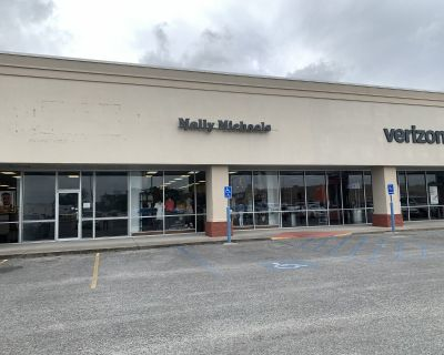 1,200 SF of Retail Space for Lease- Abbeville, LA