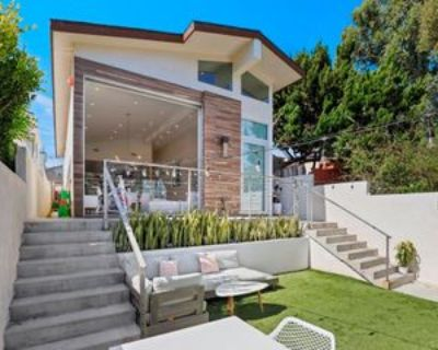 720 Rosecrans Ave, Manhattan Beach, CA 90266 4 Bedroom House