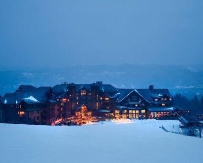 *Last minute booking 2/22-2/29/20 2B/2B true ski in/ski out Grand Lodge Peak 7 - Breckenridge
