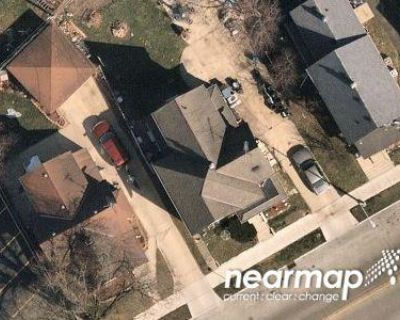 4 Bed 2.0 Bath Preforeclosure Property in Waukesha, WI 53186 - E Main St