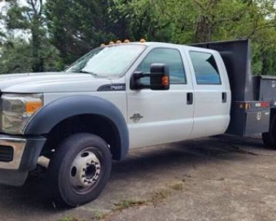 2013 Ford Super Duty F-450 Chassis Cab XL