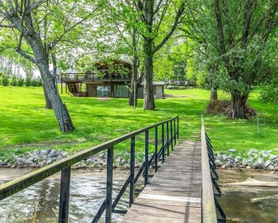 Celebrate Summer at Cozy Cottage on Old Hickory - Nashville Area - Pets OK - Gallatin