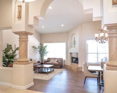 Cheerful & chic 3 bedroom Villa w Patio & Pool - Central Scottsdale