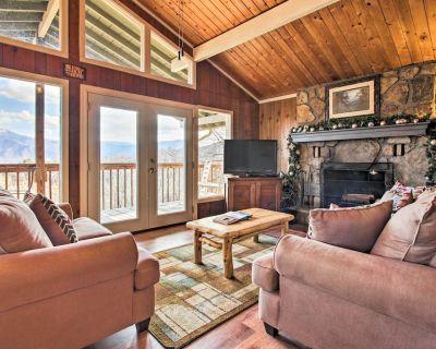 Mountain Views Await ~ Gatlinburg Cabin w/Hot Tub! - Chalet Village