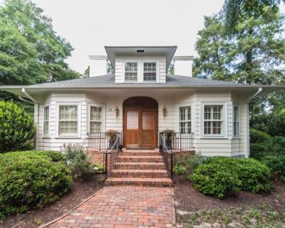 Historic Old Town in Village, entertainment, 4BR/3.5BA pool WiFi Video in Photos - Old Town Pinehurst
