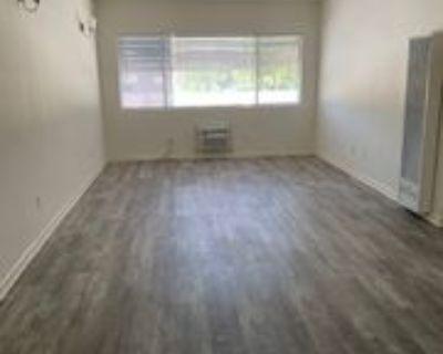 5511 Corteen Pl #12, Los Angeles, CA 91607 2 Bedroom Condo