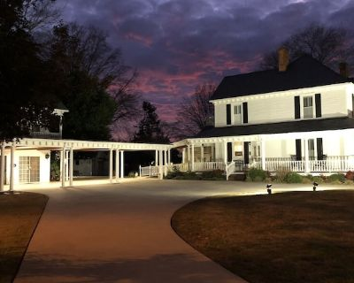 Beautiful Suite detached from local Bed & Breakfast-close to SWU and Clemson, SC - Liberty
