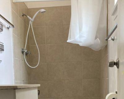 Private room with ensuite - Sacramento , CA 95842