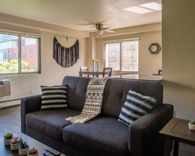 Signature 2BR Apt in East Town - Northpoint