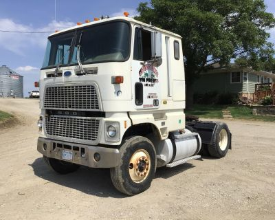 1988 FORD CL9000 COE SA TRUCK TRACT Day Cab Trucks Truck