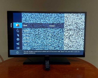 """Samsung 39"""" LED tv with remote"""