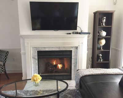 NEW ON SITE! Whole house, Close to Capitol, Garage ,Outdoor Fire Pit/Patio - Eastern Market
