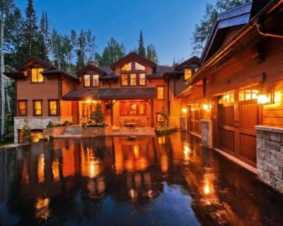 Ski-in/Ski-Out 7 Bedroom Home w/ Movie Theater and Private Hot Tub - Park City