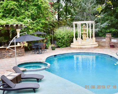 Annapolis Area Private, 3 Bedroom Pool, Jacuzzi & Sauna & Casino-Like Game Room - Davidsonville
