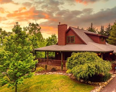 NEW CABIN Perfect Family Retreat Sleeps 14 - Townsend