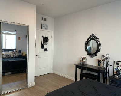 Room in 3/2 Apartment - Starts ASAP
