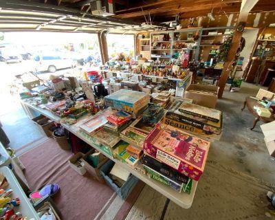 Gold Coast's Retro Vintage 70's Sale in Cypress