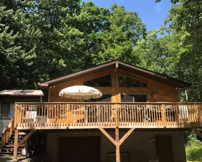Lake House on Lake Wallenpaupack,boat dock included,Home has WiFi 3 BDRM s 2b s - Lakeville