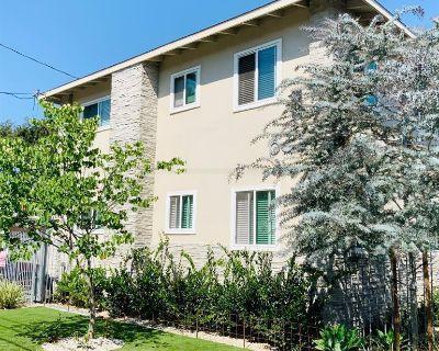 Apartment Rental - 633 W Hyde Park Blvd.