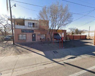 715 Isleta SW Auto Shop, Barber Shop, Contractor Space, etc