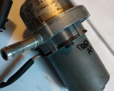 Vaccuum pump 8EO 927 317 water-cooled