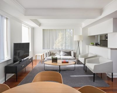 AKA Residences Newly Renovated Suite w/ Elegant Decor - Access to Gym & Pool - Sutton Place