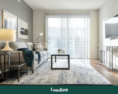 Landing | Modern Apartment with Amazing Amenities (ID508890) - Overland Park