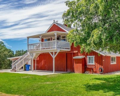 Red Barn Loft - 2BR/1BA w/views in the heart of Paso Wine Country...and we're pet friendly! - Templeton