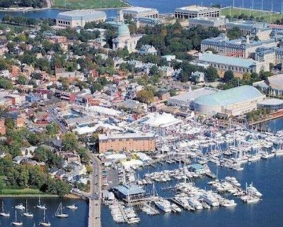 Large Luxury Apartment In Downtown Annapolis - Historic District