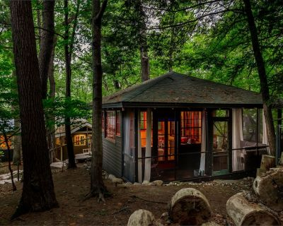 Dune Buggy Cottage - CAMPING VIBES - couples retreat perched on a dune - Saugatuck