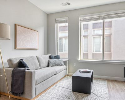 Ideal LoHi 1BR w/ Pool, Gym, W/D, 2 blocks from Central St, by Blueground - Highland
