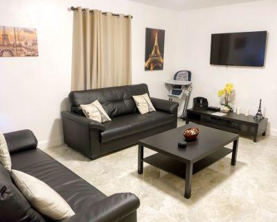 Charm Family Vacation Home - LONG TERM RENTAL - North Miami Beach