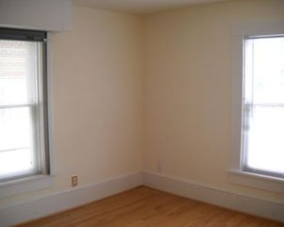 114 W Washington St #203, Middleburg, VA 20117 Studio Apartment