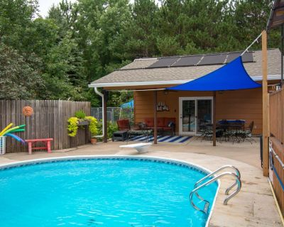 Close to Stillwater/St. Paul - Family Vacation - Hot Tub, Swimming Pool - Lake Elmo