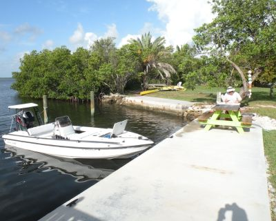Cottage with swimming pool and dockage, just minutes to Key West! - Cudjoe Key