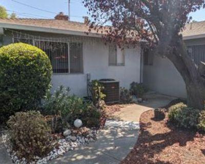 581 Tahoe Ter #1, Mountain View, CA 94041 3 Bedroom Apartment