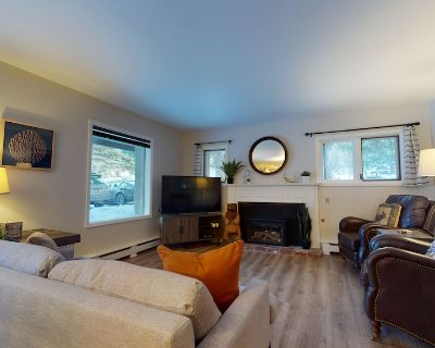 Vail Village/ Golden Peak location awesome 2 bedroom/2 bath remodeled condo - Vail