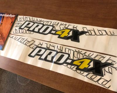 FS: Pro-4X Side Decals (like on a Frontier)