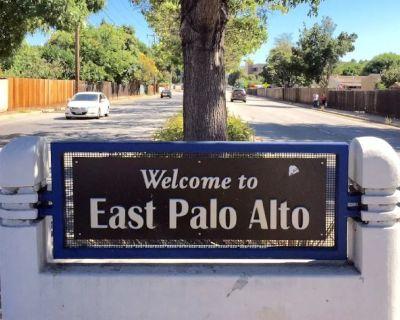 """East Palo Alto """"START-UP"""" House (a co-Living incubator for Entrepreneurs) - East Palo Alto"""