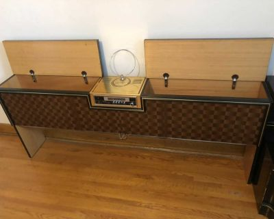Awesome retro headboard and side table