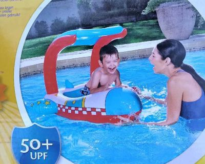New pool float for kids with sunshade